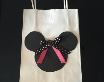 Minnie Mouse gift bag