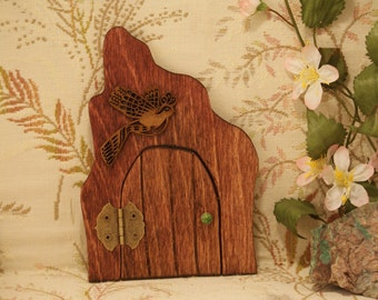 Fairy Door with Bird N045