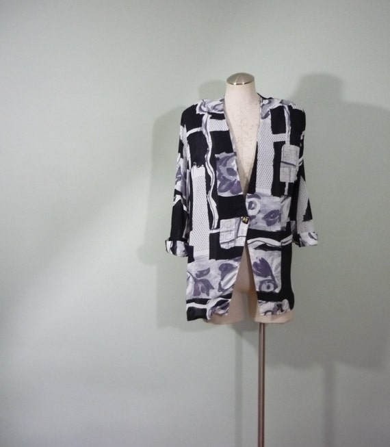 1980s Oversize Blazer / Lightweight Crepe Jacket / Black, White, and Grey Abstract Pattern / Modern Size Medium M to Large L