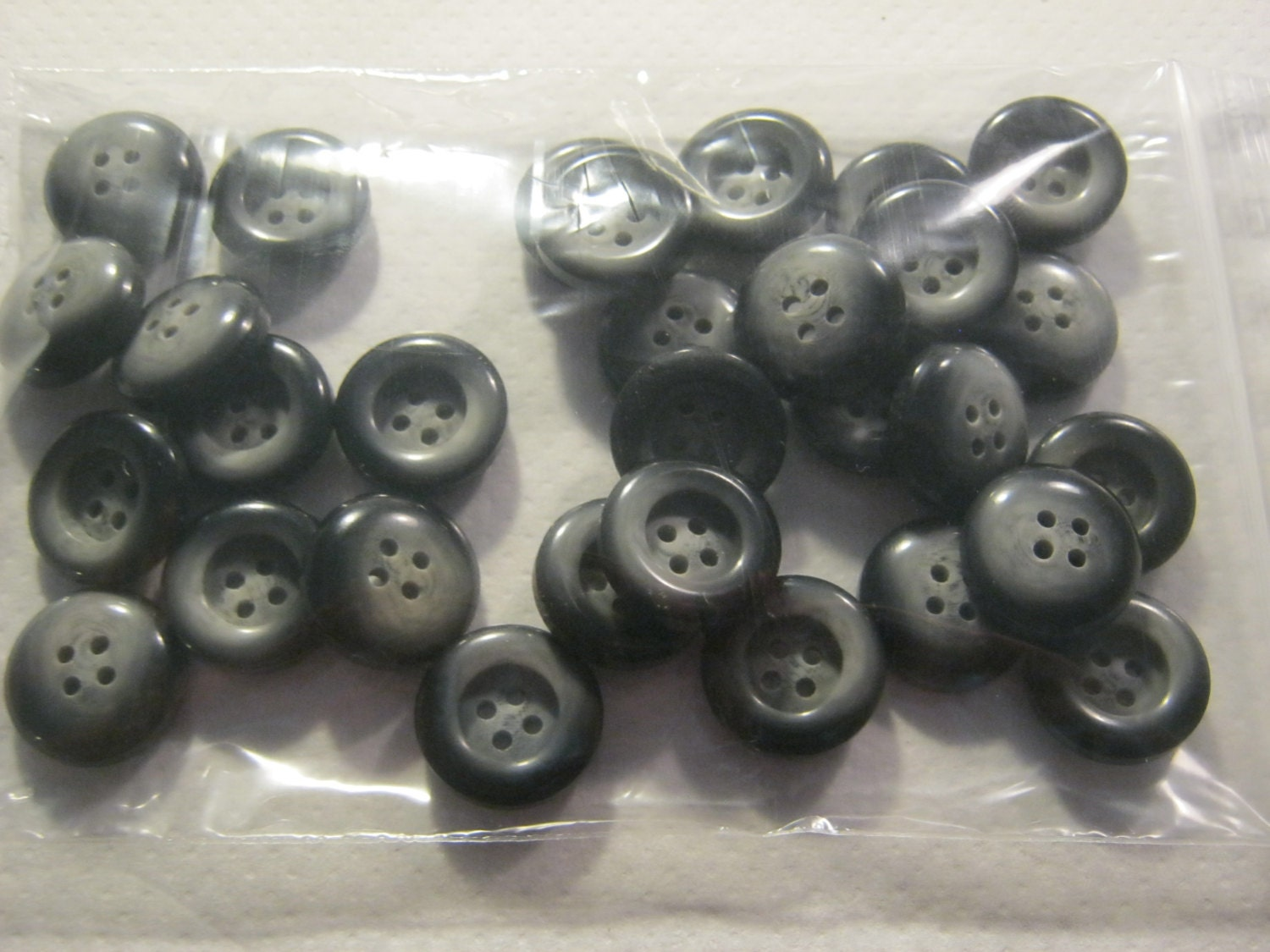 30 piece trouser buttons 4 hole 2 colours black gray diameter ca 20 mm new l beck button. Black Bedroom Furniture Sets. Home Design Ideas