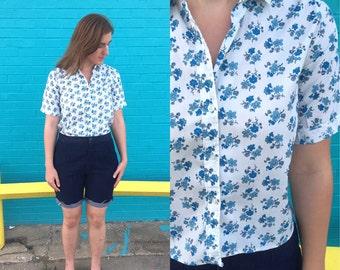 1950s vintage blue floral blouse / 50s blouse / button down shirt / medium