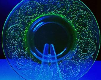 Vintage 6 inch Desert Plate Uranium Vasoline Glass, wedding decorations, party supplies.