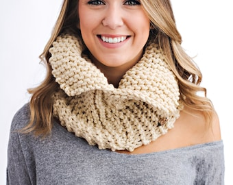 Knit Cowl with Collar
