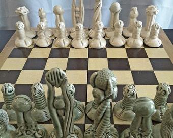 Tolkien Inspired Chess Set - Moss Green & Valiant White