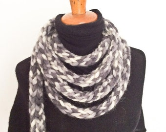 Scarf-Necklace (finger knitted)