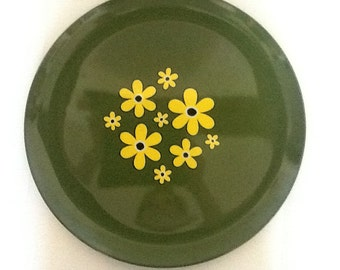 Mod mid-century yellow and avocado green tray