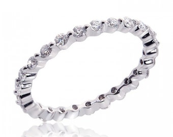 14K White Gold Ladies Round Brilliant Cut Diamond Eternity Band 0.65 Carat