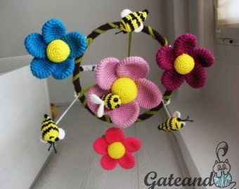 Crib mobile: Bees and Flowers