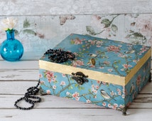 Large - Vintage - Shabby Chic -Jewellery Box - Photo Box - Wedding Box - Stationary Box - Jewelry Box - Wooden - Chest
