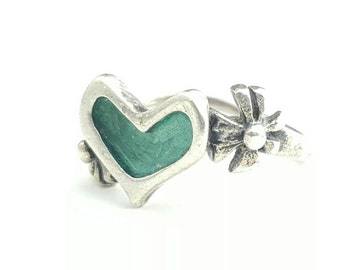 Vintage Sterling Silver Ring with Green Tone Heart and Flower Accents- Size 4