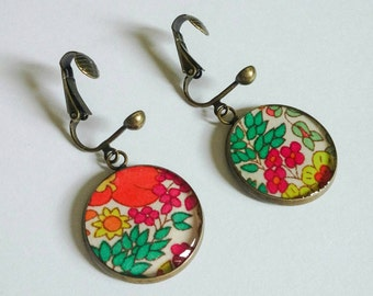 Pendant ear clips for non-pierced ears /cabochon 20mm /motifs floral /jungle /tissu and resin /bronze antique