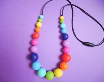 Rainbow Silicone Teething Necklace // Breastfeeding Necklace // Baby Nursing Necklace // Beads BPA Free