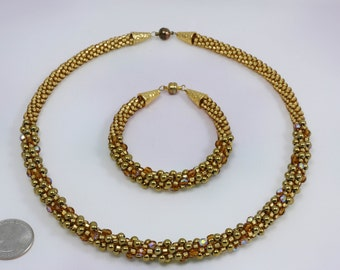 El Oro. Kumihimo necklace and bracelet