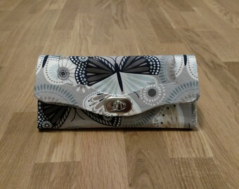 Handmade Butterfly Tri-fold Wallet with Zipper Pocket