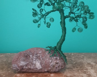 Green wire tree