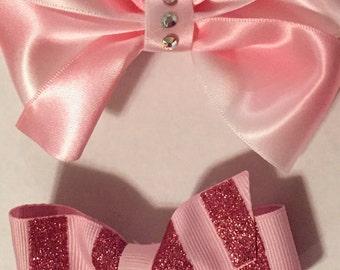 2 pink bows