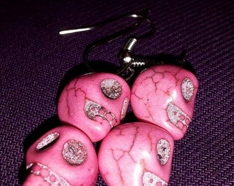 Earrings neon pink skulls