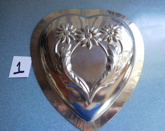 Large Daisy Heart Vintage Metal Candy Mold
