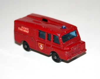 Vintage 1960's Lesney / Matchbox LANDROVER FIRE TRUCK Diecast Toy Vehicle