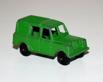 """Vintage 1970's TOOTSIETOY Green LANDROVER 2 1/2"""" Diecast Car - Made In USA"""