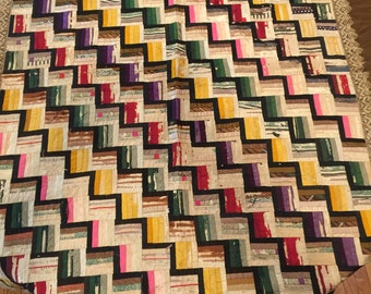 "Log Cabin Pattern QUILT 48"" x 65"", Lace trimmed"