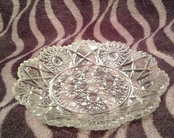 Deep cut glass plate