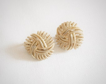 Vintage Trifari Gold Clip On Earrings