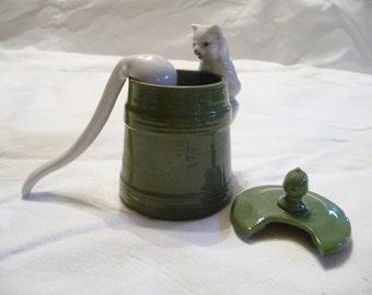 Former mustard pot