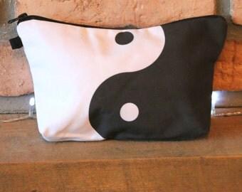 Ying Yang Print Make Up Bag / Cosmetics Pouch Organiser