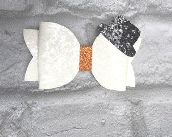 PRE-ORDER Medium Christmas Snowman Bow - Glitter Bow - Snowman Hair Bow on Clip - Christmas Hair Bow - Xmas Bow - Christmas Preorder