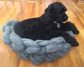 Dog Bed,Chunky Dog Bed, Merino Wool Dog Bed, Dog mat, Medium Dog Bet, Pet bed