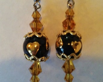 Blackened Wire Yellow Gold and Black With Gold Hearts Rounded Earrings