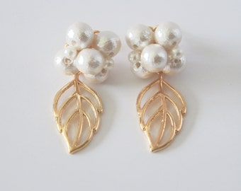 Cotton pearl flower with gold leaf earrings