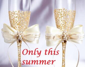 SALE 20% Personalized wedding flutes GOLD wedding champagne glasses champagne flutes toasting flutes gold champagne flutes wedding flutes