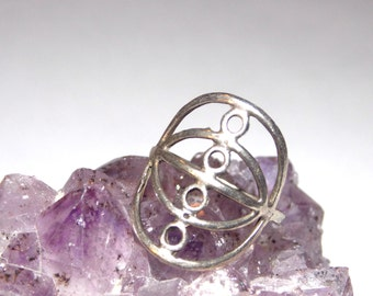 Size 6 Delicate Silver Ring