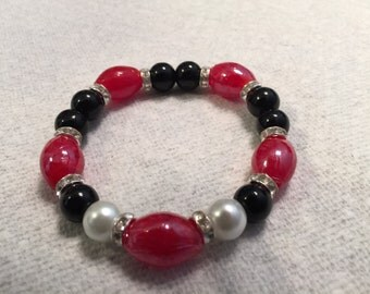 Red and Black Fan Stretch Bracelet