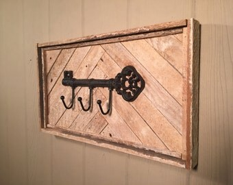 Rustic Key Holder,  reclaimed wood, wall decor