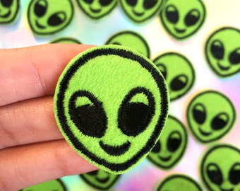 Alien Patch, Emoji Patch, Alien Emoji, Soft Grunge Patch, Tumblr, Pastel Goth, Iron on Patch, Aliens, Coachella, Kawaii, Sew on Patch