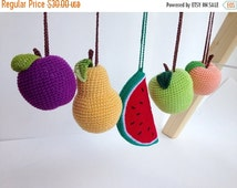 SALE Set of 5 hanging fruits baby gym toy, crib toy, shower gift, organic, crochet, pretend food, baby rattle, hanging toy, newborn gift