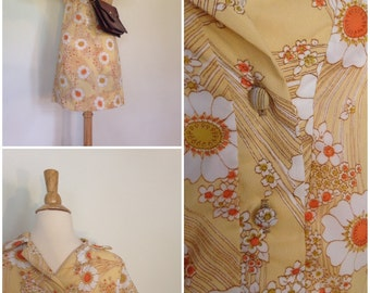 1970s Vintage Spring and Summer Flower Field day dress