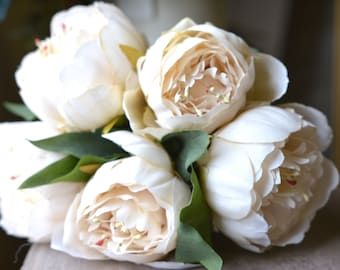 Lovely Peony Bunch in cream -ITEM009