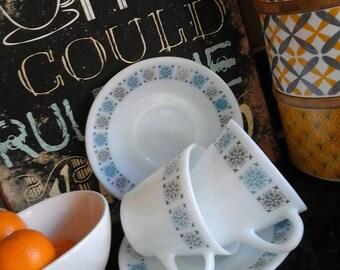 Vintage pyrex cups and saucers,pyrex jug,JAJ milk jug,JAJ cups,pyrex,retro cups,retro milk jug,kitchenalia,vintage kitchenware,vintage cups