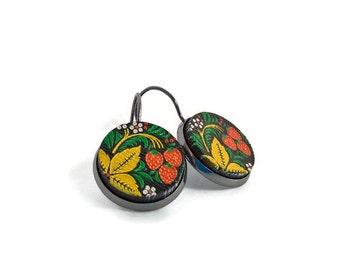 Strawberry earrings, fruit earrings, leaf earrings, strawberry stud earrings, fruit jewelry, Summer earrings, Spring jewelry, strawberries