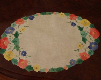 Vintage Applique Doily Large Colourful Floral Oval Linen Finished Edge 16 1/2 inch  (41.5 cm) X 10 1/2 inch (27 cm)