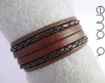 Brown leather bracelet three special