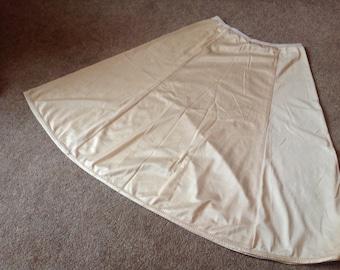 1960s 26W X 25W Petticoat/Underskirt