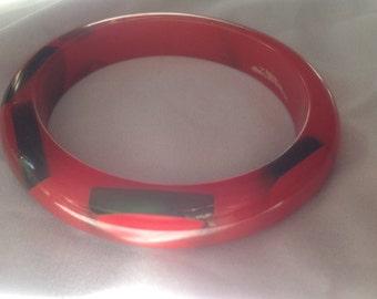 Vintage red & green Bakelite bangle bracelet