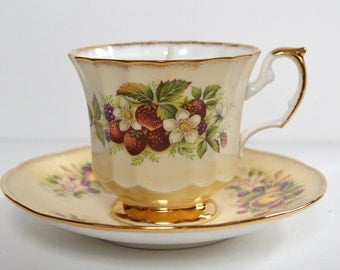 Strawberry Vintage Teacup Candle