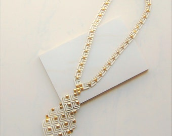 Vintage White & Gold Statement Necklace