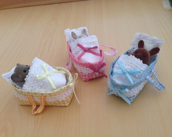Handmade Carry-cot / Crib and bedding for Sylvanian Families ( Animals not included)